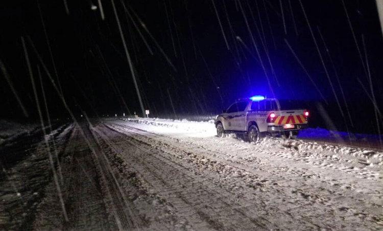 بحران برف در آذربایجان غربی؛ برق 2 شهر قطع شد