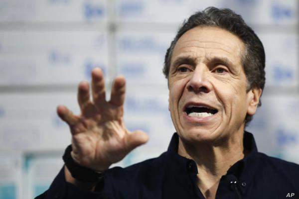 تاکید 2 سناتور ارشد دموکرات بر استعفای فرماندار نیویورک خبرنگاران