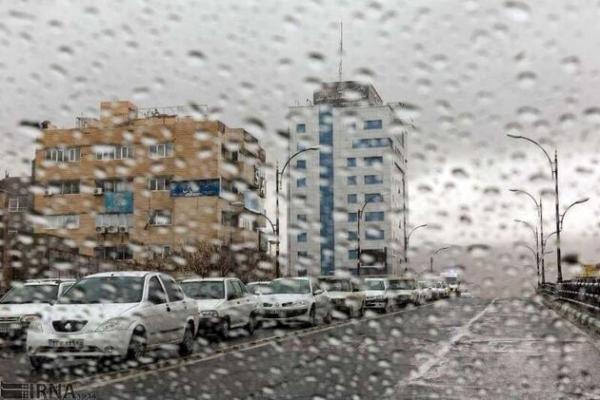 خبرنگاران وزش باد و بارش های پراکنده پدیده غالب آذربایجان غربی تا روز شنبه است