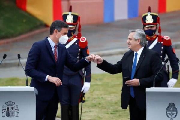 رئیس جمهور آرژانتین: مکزیکی ها سرخپوست هستند و برزیلی ها از جنگل!